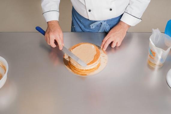 Torta alla nocciola con crema al burro italiazuccheri